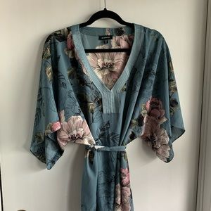 Kimono top size L from Le Château